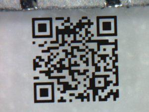 1mmの極小QRコード